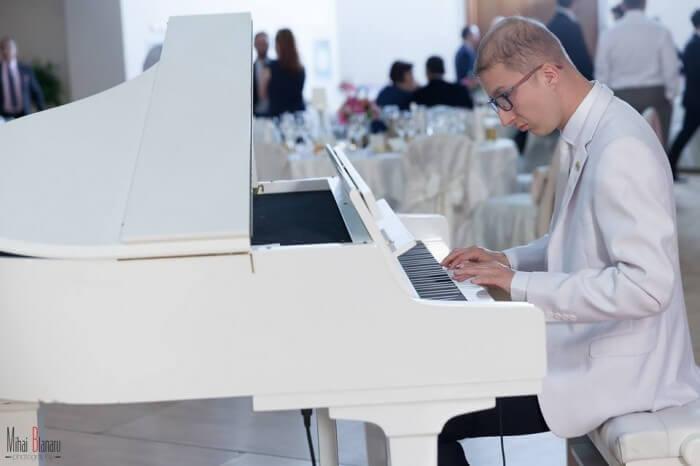 RD-Orchestra-Formatie-nunta-Pian-700x466 RDorchestra formatie nunta