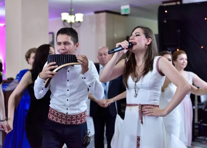Muzica-petrecere-2016-1-700x500 RDorchestra formatie nunta
